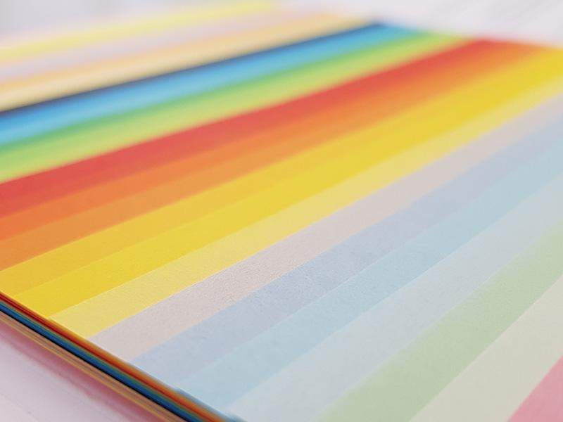 Färbiges Papier Villach